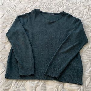 Dark green men's v-neck knit sweater